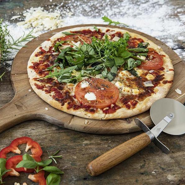 Planche à pizza avec roulette6815